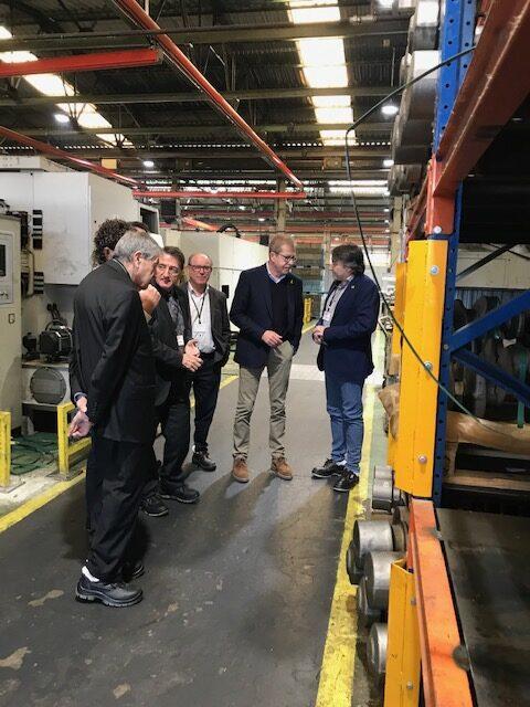 El profesor Pedro Nueno visita Comforsa i ensalza la fantástica base empresarial y la tecnología punta de la compañía
