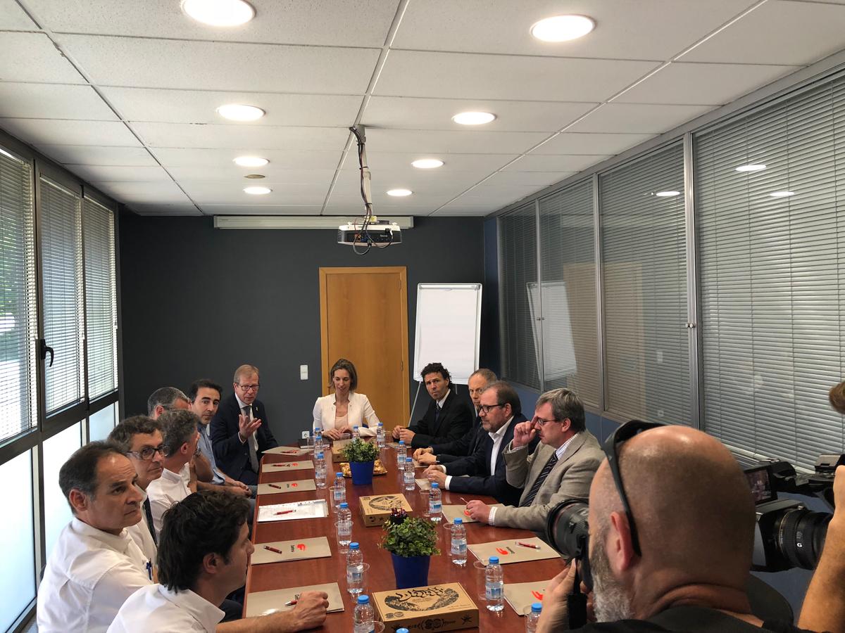 The Minister Àngels Chacón visits Comforsa